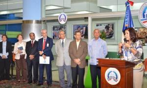 La Vicepresidenta de la República, doctora Margarita Cedeño de Fernández, preside el acto de inauguración del Compumetro, en la estación Profesor Juan Bosch del Metro Santo Domingo.